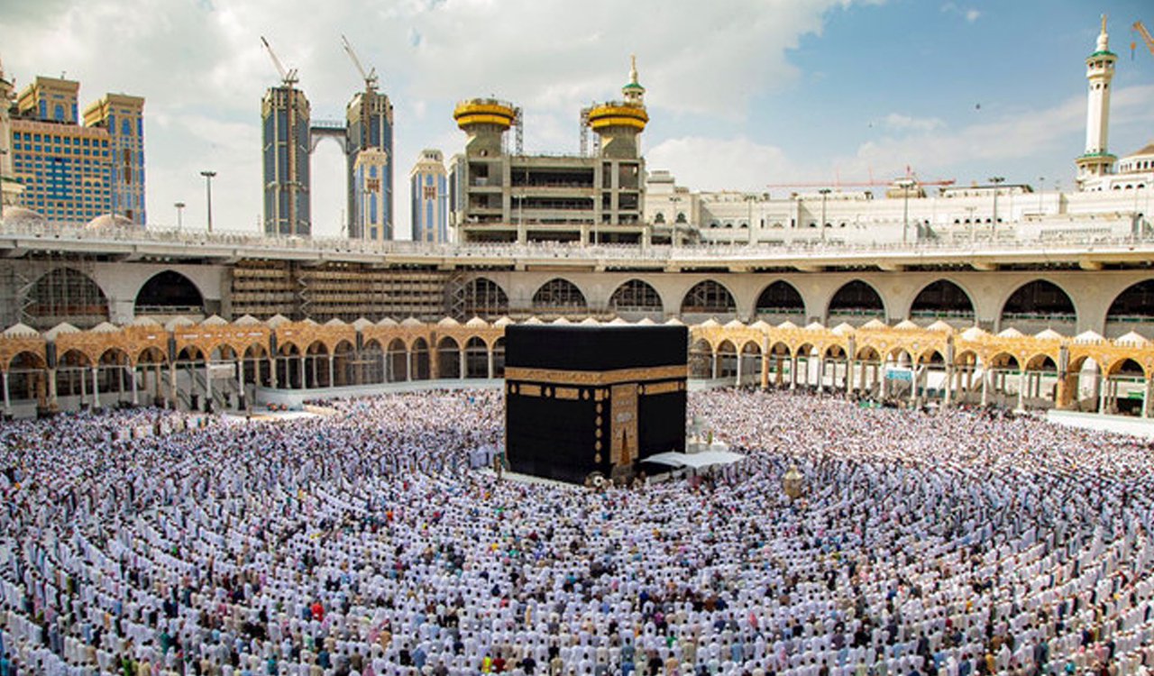 Mecca-Image-Day-Scene-Accurate-Travels-Tours